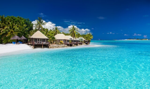When one thinks of paradise, the mind conjures the warm waters and beautiful sands of Fiji, Tahiti and beyond. Enjoy these islands and more during a South Pacific luxury yacht charter