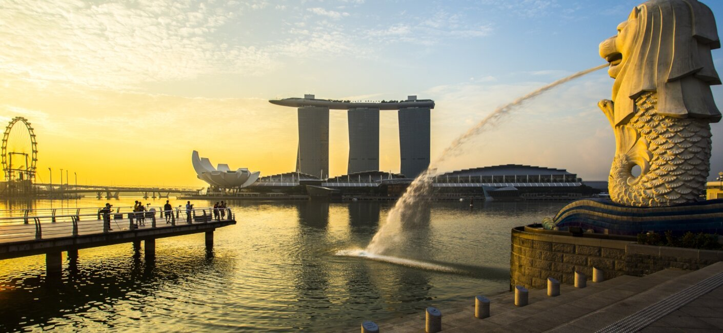 One of Asia's most contemporary and sophisticated destinations, Singapore is synonymous with glitz, glamour and luxury. Experience all this city-state has to offer during a Singapore luxury yacht charter