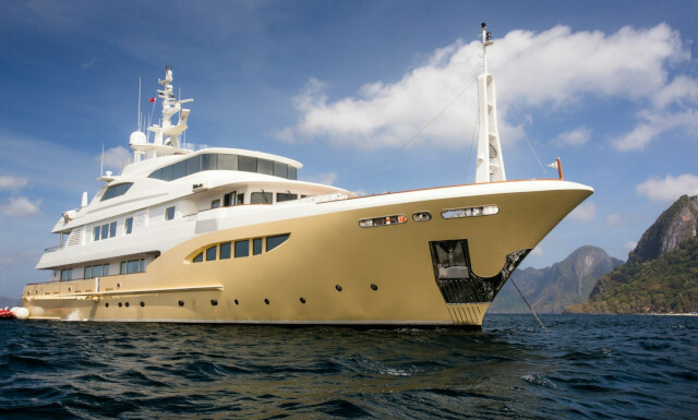 JADE 959 yacht for charter