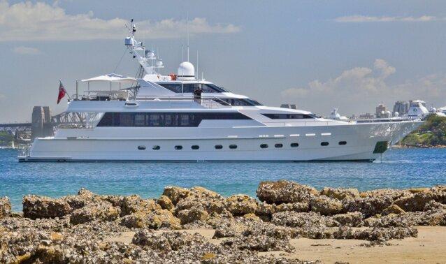Charter OSCAR II Luxury Yacht