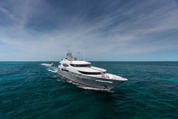 ZOOM ZOOM ZOOM yacht for Charter