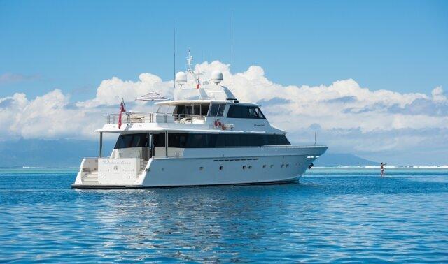 Charter DREAMTIME Luxury Yacht
