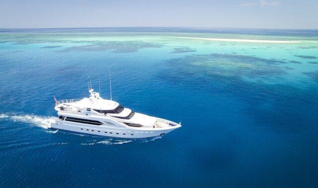 Charter FLYING FISH Luxury Yacht