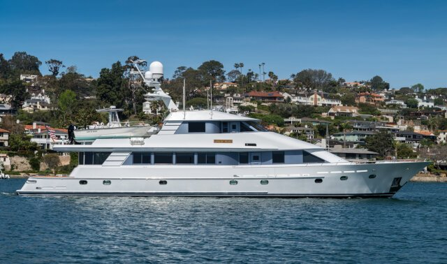 LIFE OF RILEY Luxury Super Yacht For Sale