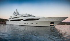 Charter LIONESS V Luxury Yacht