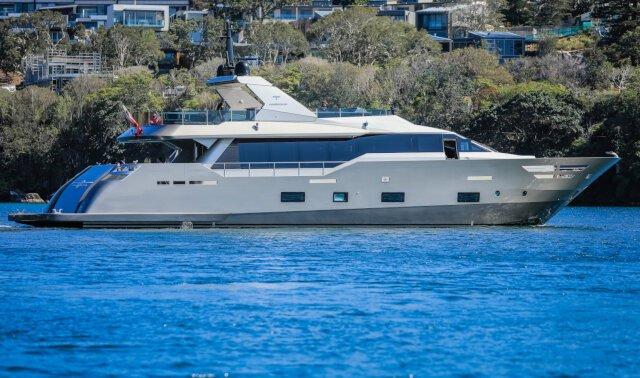 Charter SHADOW Luxury Yacht