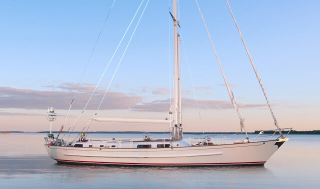 ENDURANCE Luxury Super Yacht For Sale