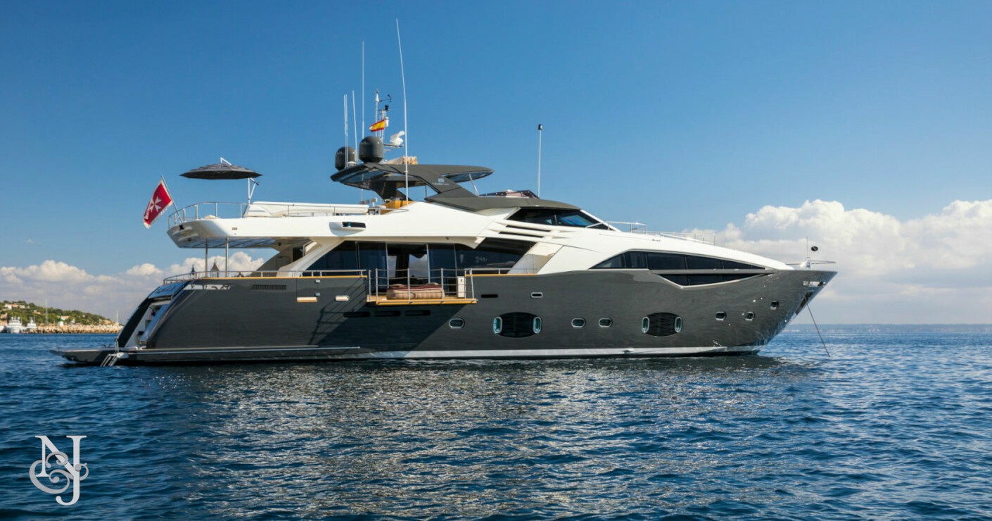 Luxury motor yacht campo verde for sale northrop johnson for Luxury motor yachts for sale