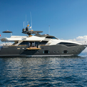 100 Foot Yacht >> Luxury Motor Yacht Campo Verde For Sale Northrop Johnson