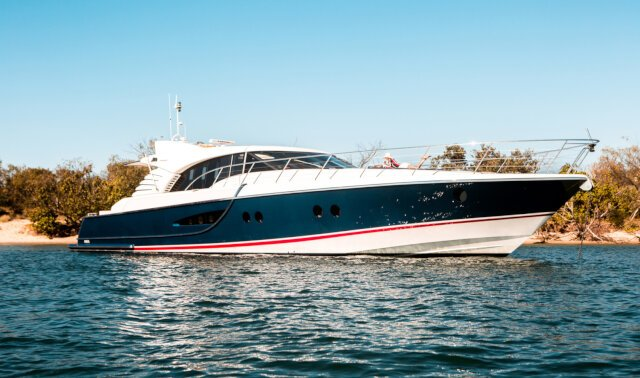 Charter CRYSTAL BLUE Luxury Yacht