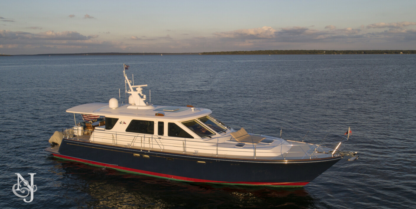 DIAMANTE Yacht for Sale | Hunt Yachts Luxury Motor Yacht