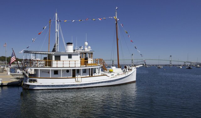 COASTAL QUEEN Luxury Super Yacht For Sale