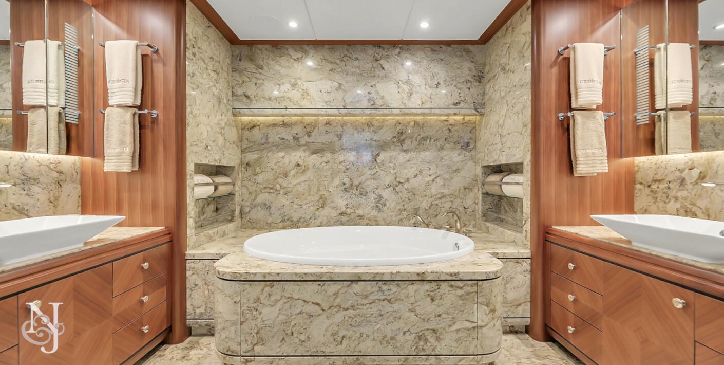 GEORGIA Master Bath
