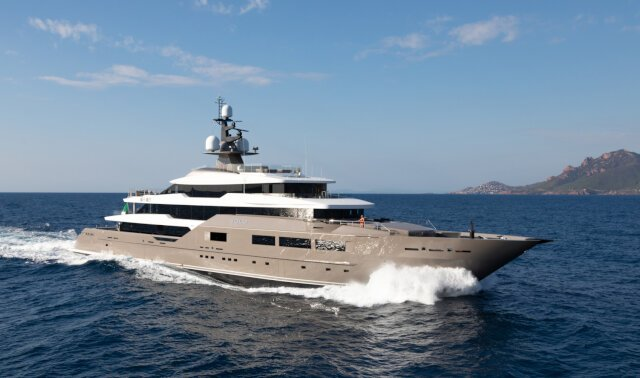 SOLO Luxury Super Yacht For Sale