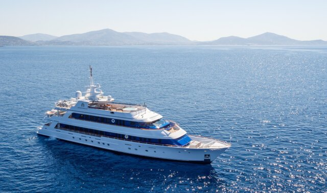 IONIAN PRINCESS for Charter